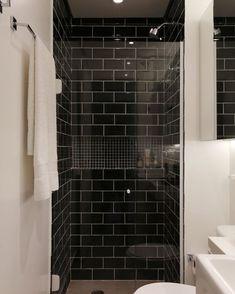 Living Room Interior, Bathroom Interior, Home Interior Design, Canadian House, Men Shower, Construction Design, Cool Apartments, White Bathroom, Sweet Home