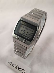 Vintage-Seiko-Digital-LCD-0674-5009-James-Bond-LC-Watch