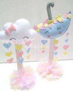 Clouds and Umbrella - Rain - Felt Idea Baby Shower Themes, Baby Shower Gifts, Felt Crafts, Diy And Crafts, Cloud Party, Baby Shawer, Love Rain, Bear Party, Ideas Para Fiestas