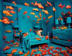 bleu, blue, Azul, aquamarine, art installation, missed media, sculpture, paint, still life, photography, art, orange fish blue room, sandy skoglund