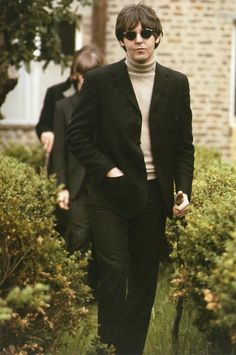 Paul McCartney during the shooting of the 'Paperback Writer/Rain' Promotional Video in 1966. So Handsome!