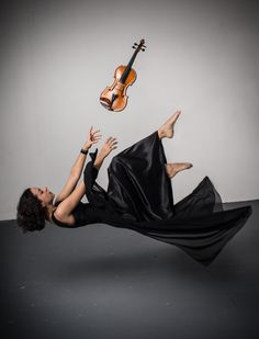 Helena Piccazio falling or flying? A bit of both perhaps. Helena plays with my old band, the Orquestra Sinfônica Municipal de São Paulo.