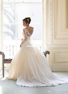 Luxury Sheer Garden Backless Wedding Dresses 2014 New Chiffon With Long Sleeves Appliques Ball Gowns Lace Long Chapel Length Bridal Dress