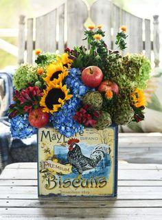 DIY transitional flower arrangement with biscuit tin | ©homeiswheretheboatis.net #hydrangeas #sunflowers #rooster Limelight Hydrangea, Blue Hydrangea, Hydrangeas, Flower Arrangement, Floral Arrangements, My Flower, Flower Power, Cozy Meals, Chicken Art