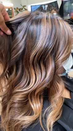 Brown Hair With Blonde Highlights, Brown Hair Balayage, Ombre Hair, Fall Hair Highlights, Bayalage, Hair Color And Cut, Brown Hair Colors, Light Brown Hair, Light Hair