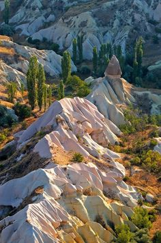 Rock formations in Cappadocia Cappadocia is breathtaking! I highly recommend a hot air balloon ride over the rock formations! A little pricey, but worth it. Beautiful World, Beautiful Places, Amazing Places, Wonderful Places, Capadocia, Underground Cities, Rock Formations, Beautiful Landscapes, The Great Outdoors