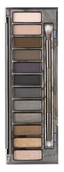 Loaded with 12 shades and a double-ended brush, this Naked 'Smoky' palette is the key to nailing the most sought-after, elusive eye look ever. Experiment with warm bronzes, dimensional greys, rich browns, gorgeous taupes and deep black, and shades ranging from matte and satin to shades with sparkle.