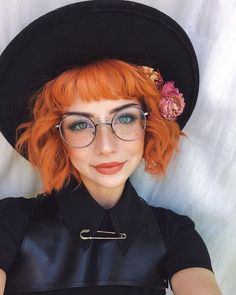 Cant go wrong with orange hair during Fall! Dilute some Sunset Orange with Arctic Mist to get gorgeous pumpkin hair like donutbutts! Arctic Fox Dye, Yellow Hair, Orange Hair Dye, Pastel Orange Hair, Burnt Orange Hair, Orange Orange, Corte Y Color, Aesthetic Hair, Hair Blog
