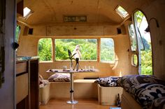 love the corner bench and wrapping windows! Airstream Renovation, Airstream Interior, Trailer Interior, Vintage Rv, Vintage Airstream, Vintage Travel Trailers, Vintage Campers, Camping Life, Tent Camping
