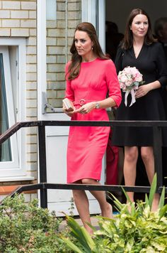 Kate Middleton Photos - The Duchess Of Cambridge Visits An M-PACT Plus Counselling Programme - Zimbio