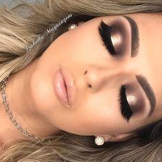 """169 curtidas, 0 comentários - Izabella Maquiagens (@izabellamaquiagens) no Instagram: """"R$1,94 POR DIA😱  E vc *realiza seu sonho* 🥰 se vc quer se tornar uma maquiadora reconhecida nas…"""" Professional Makeup, 1, Rings, Jewelry, Instagram, Make Up Looks, Jewlery, Bijoux, Jewerly"""