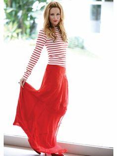Leslie Mann. Love that skirt color.