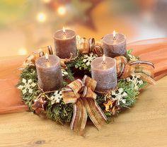 Christmas Advent Wreath, Winter Christmas, Christmas Time, Winter Porch Decorations, Christmas Decorations, Table Decorations, Advent Candles, Diy Wreath, Porch Decorating