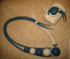 Купить или заказать Валяное колье и браслет 'Вдохновение' в интернет-магазине на Ярмарке Мастеров. Новая цветовая вариация.