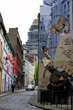 """Un mur """"Bande dessinée"""" dans une rue de Bruxelles, Belgique"""