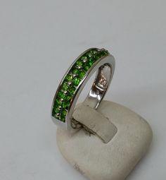 Vintage Ringe - Ring 925er Silber leuchtende grüne Kristalle SR747 - ein Designerstück von Atelier-Regina bei DaWanda