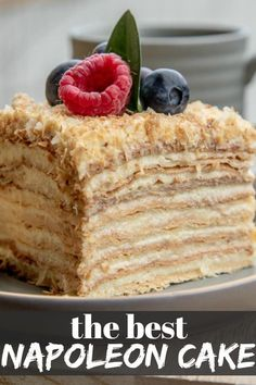 This Napoleon Cake comes out soft, moist and delicious! No more buying puff past. - This Napoleon Cake comes out soft, moist and delicious! No more buying puff pastry for this cake, b - Russian Cakes, Russian Desserts, Fancy Desserts, Köstliche Desserts, Best Dessert Recipes, Sweet Recipes, Delicious Desserts, Romanian Desserts, French Dessert Recipes