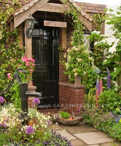 Charming entrance, I adore this!
