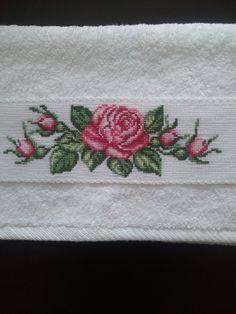 Dün verdiğim hediyelik havlu örneğine ek olarak bu işi yayınlıyorum. Benim çok severek yaptığım bir örnekti.   Hediye verecekseniz,...