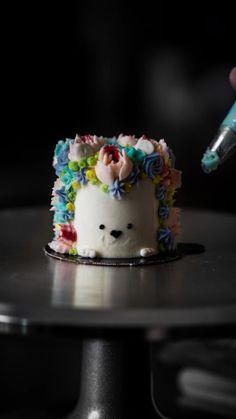 Cake Decorating Frosting, Cake Decorating Videos, Birthday Cake Decorating, Cake Decorating Techniques, Cupcakes, Cupcake Cakes, Rainbow Food, Cake Rainbow, Kreative Desserts
