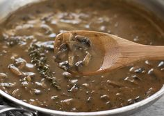 This one quick, easy, and insanely flavorful Mushroom Herb Gravy will satisfy both meat eaters and vegetarians alike. Step by step photos. Poutine, Vegan Vegetarian, Vegetarian Recipes, Cooking Recipes, Stuffed Mushrooms, Stuffed Peppers, Vegan Sauces, Vegan Dishes, Recipes