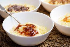 Egyszerű, gyors, olcsó, és a legválogatósabb kisgyerek is szó nélkül belapátolja. Creme Brulee, Mousse, Mashed Potatoes, Panna Cotta, Oatmeal, Pudding, Breakfast, Ethnic Recipes, Whipped Potatoes