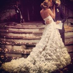 fairytale dress stunning wedding gown roses lace tulle Idea: probably tulle rosettes to the tiers of the Quartz Kirstie Kelly dress. Perfect Wedding, Dream Wedding, Wedding Day, Wedding Beauty, Wedding Bride, Chanel Wedding, Wedding Kiss, Elegant Wedding, Bride Groom