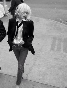 Like a blonde Patti Smith