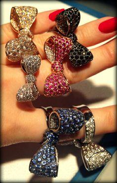 Mimi So bow rings at JCK Privé NY - Diamonds in the Library : Diamonds in the Library