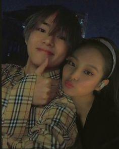 ig; bangpinkgoals Kpop Couples, Cute Couples, Jimin Jungkook, Bts Taehyung, Siblings Goals, Nct Group, Blackpink And Bts, Korean Couple, Ulzzang Couple