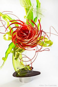 Our Dragonfly Showpeel™ and Showstopper Flame™ molds were used to create this beautiful sugar showpiece by chef Stephane Treand MOF