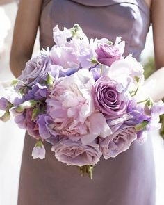 Lilac Wedding Bouquets (Source: media-cache-ec2.pinterest.com)