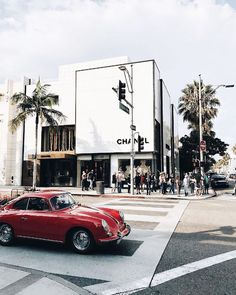 I Never Studied Fashion, But Here's How I Landed My Job.Kristen Marie Nichols in Los Angeles Checkout The Best Jobs in Los Angeles Area. Mein Job, Los Angeles Travel, California Dreamin', California Fashion, City Of Angels, My Land, Mustang, Places To Go, Around The Worlds