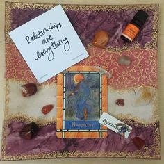 This week's Plate of Inspiration - it's all about relationships!  Harmony card from the @doreenvirtue Angel Card oracle deck. Relationships are everything #truthbomb. Synthesis #angelcards.  Inspirational smell courtesy of the Sacral Chakra essential oil blend of mandarin, jasmine and sandalwood from @perfectpotion.  Carnelian, clear Quartz, citrine, a bit of Tiger's Eye and some other little orange beauties decided it was their day to sparkle!  Happy weekend to everyone…