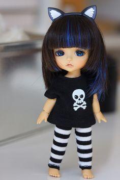 If Lily had her own Momiji doll, she might dress something like this. Cute little lati kitten! Cute Baby Dolls, Cute Toys, Beautiful Barbie Dolls, Pretty Dolls, Tiny Dolls, Blythe Dolls, Chica Gato Neko Anime, Momiji Doll, Creepy