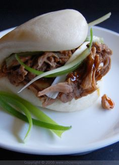 Vegan: Chinese 5-Spice Jackfruit With Steamed Buns