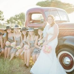 I have a stunning South African Wedding for you today, courtesy of Louise Vorster, full of pretty pastels and vintage inspired decoration