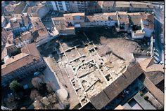 Vue aérienne d'un bâtiment du Ve siècle de notre èreappartenant au domaine palatial des rois wisigoths de Toulouse (Midi-Pyrénées) et dont la fouille se déroula en 1988...