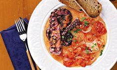 Comum na gastronomia mediterrânica, o polvo é, em certas regiões, prato de eleição em quadras festivas. Este prato guisado celebra todo o sabor do polvo.