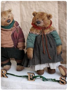 The pair of bears of the six bears- FOREST collection is been presented on total bear show in Munster(germany) 28-29 April 2018  of forest brave bears, permeated with the spirit of a dense forest, the smell of needles and resin cool moss  Franky(adopted), 23 cm Olena), 28 cm, avaliable Ricon(adopted) 23 cm Eva(adopted), 23 cm Sten 28 cm, avaliable( may be as pair with Olena) Taywin(adopted) 23 cm