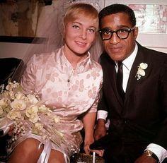 Sammy Davis Jr. & Mitt Brit at their wedding in 1961.