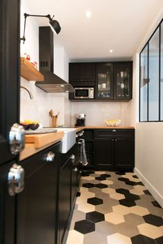 kitchen - hexagon tiles black white and grey