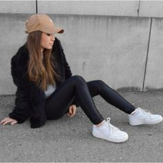 Nike shoes outfits for girls Outfits With Hats, Girl Outfits, Casual Outfits, Fashion Outfits, Fashion Shoes, Nike Fashion, Outfits Blanco, Fashion Mode, Womens Fashion