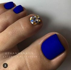 Matte Blue Nails ★ Explore trendy and classy, cute and elegant toe nails designs for summer and beach vacation. You will love our easy ideas. Creative Nail Designs for Short Nails to Create Unique Styles. Toe Nail Color, Toe Nail Art, Acrylic Nails, Gel Nails, Toe Nail Polish, Gel Toes, Coffin Nails, Glitter Pedicure, Glitter Toe Nails