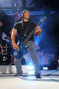 Robert Trujillo of Metallica - WorldWired Tour 2017 at the CenturyLink Field in Seattle, Washington, Aug 09, 2017.