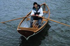 The master himself in his boat: Iain Oughtred in an Acorn skiff - Wooden boats - Hobby Wooden Boat Building, Boat Building Plans, Building Ideas, Boating Pictures, Duck Boat Blind, Model Boat Plans, Build Your Own Boat, Boat Kits, Boat Projects