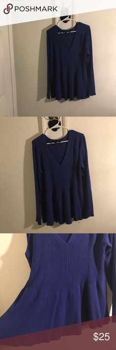 Flared V neck sweater Blue V neck sweater with flared waistline size 22/24 Lane Bryant Sweaters V-Necks