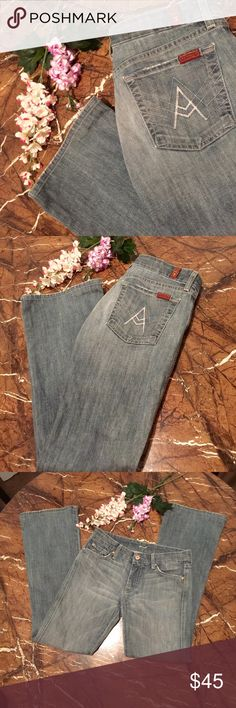 """🍁7 For All Mankind """"A"""" Pocket Distressed Jeans Flare Leg, Excellent Condition Like New!! """"A"""" Pockets. Size 28, Inseam Is Approx 30"""" Long. 7 For All Mankind Jeans Flare & Wide Leg"""