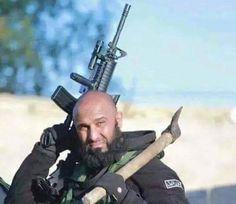 In Pics: કુહાડી અને તલવાર સાથે ISIS આતંકીઓ પર તૂટી પડતો ભડવીર
