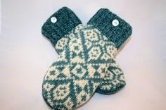 Sweater cut-out mittens